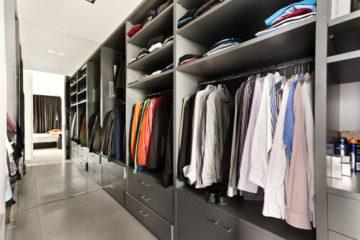 Ako si zorganizovať šatník, aby ste v ňom mali prehľad?