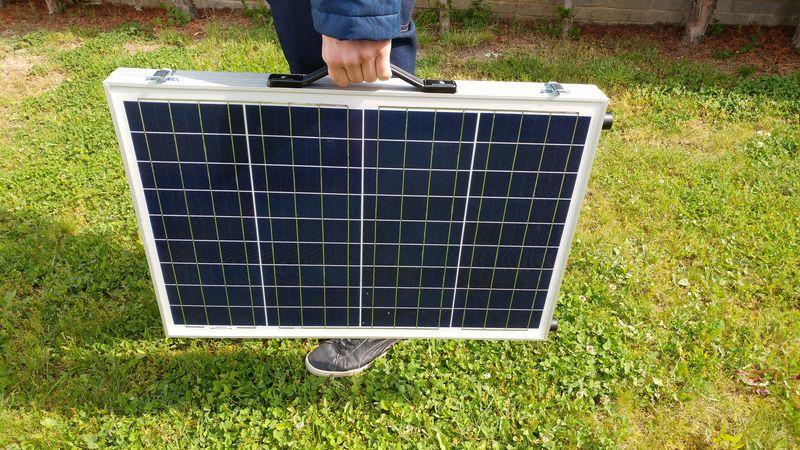 Solárna nabíjačka 12V v podobe kufríku