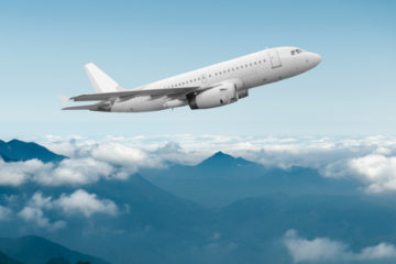 5 nepísaných pravidiel, ktoré sa v lietadle oplatí dodržiavať