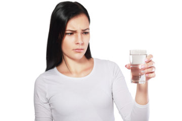 4 signály, ktoré varujú pred nedostatkom vody v tele