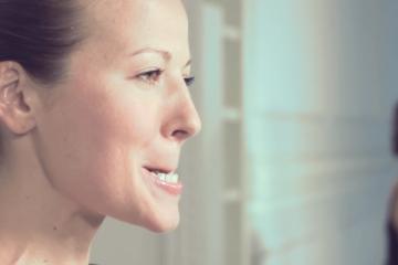 3 minútová tvárová gymnastika, vďaka ktorej budete vyzerať mladšie