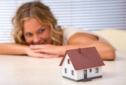 Bývanie v rodinných domoch má stále viac výhod ako nevýhod