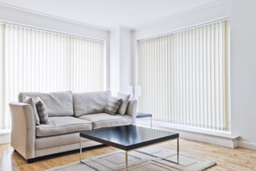 Markízy a vertikálne žalúzie – moderné tienenie rodinných domov