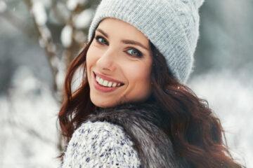 Ako vyzerať šik aj počas zimy? Poradíme vám trendy kombinácie dámskeho oblečenia a doplnkov